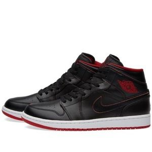 Jordan 1 Mid Black Red Bred